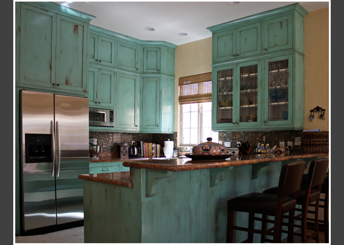 Distressing kitchen cabinets for Distressed kitchen cabinets